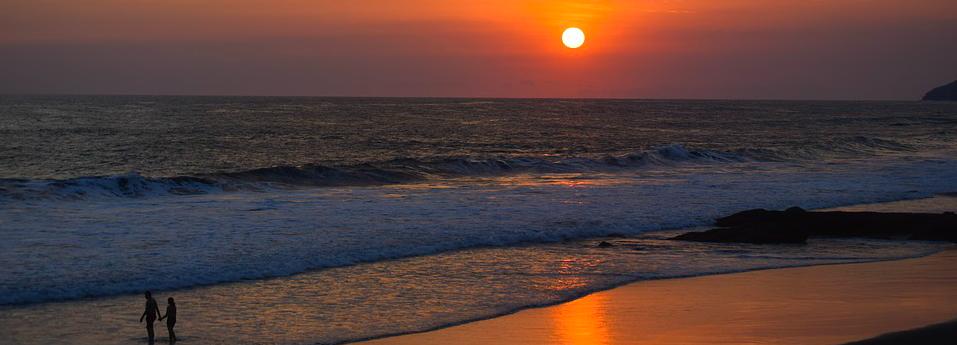 coucher de soleil couple